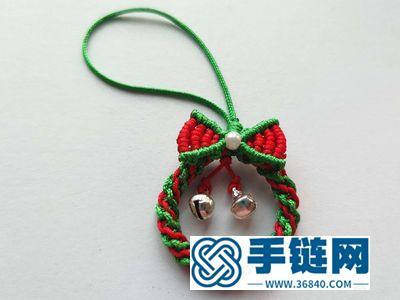 可爱的编绳小物_编法圣诞花环小挂件的方法