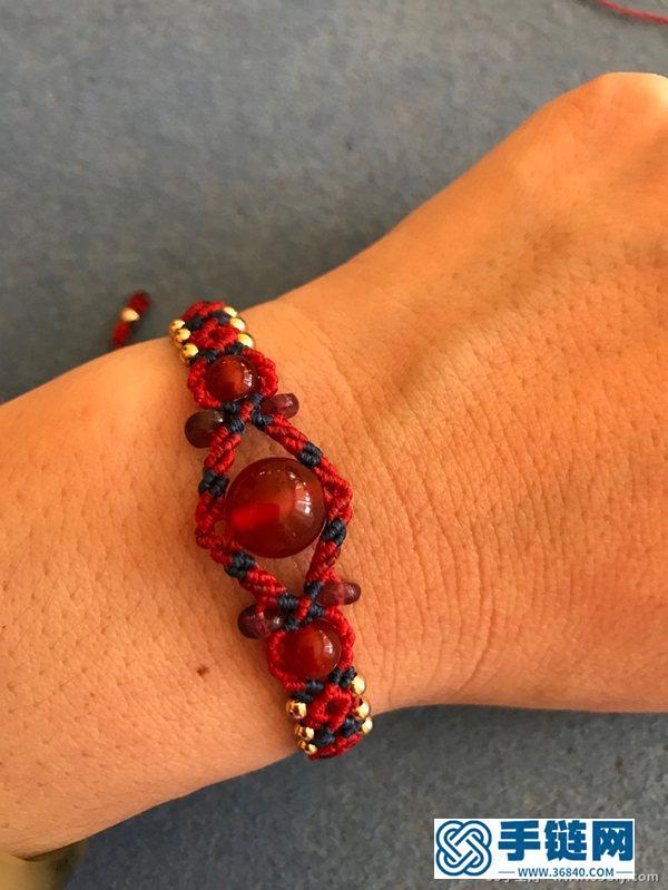 蜡线和珠子编成的漂亮手链