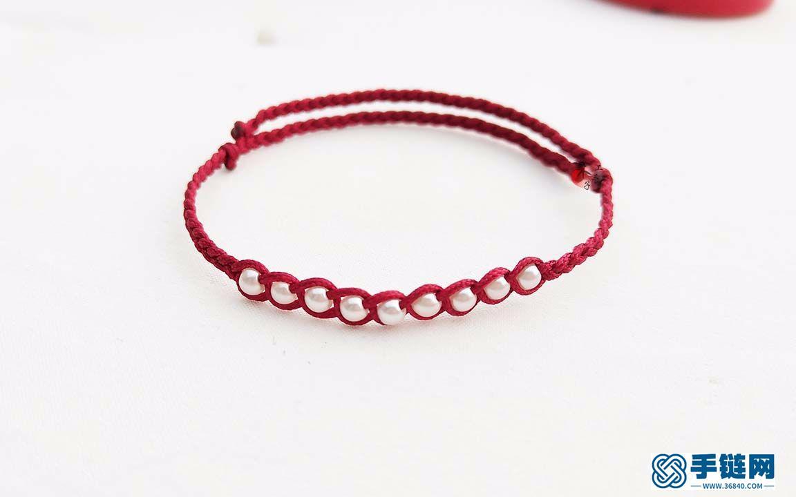 三股辫编织漂亮的红绳手链