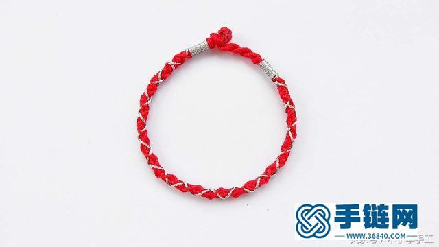 用红绳编了一条彩金龙绳手链,闺蜜都抢着要