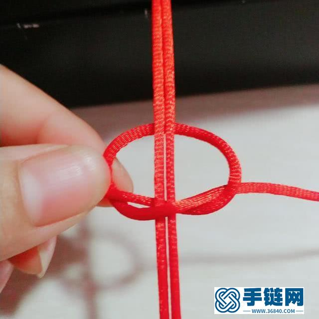 编织 双平结红绳手链图文过程 这是一款最基础最简单的绳结